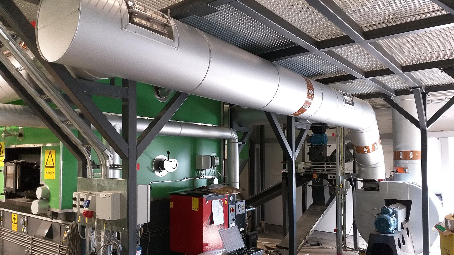 industriisolering ångpanna - bild på installation
